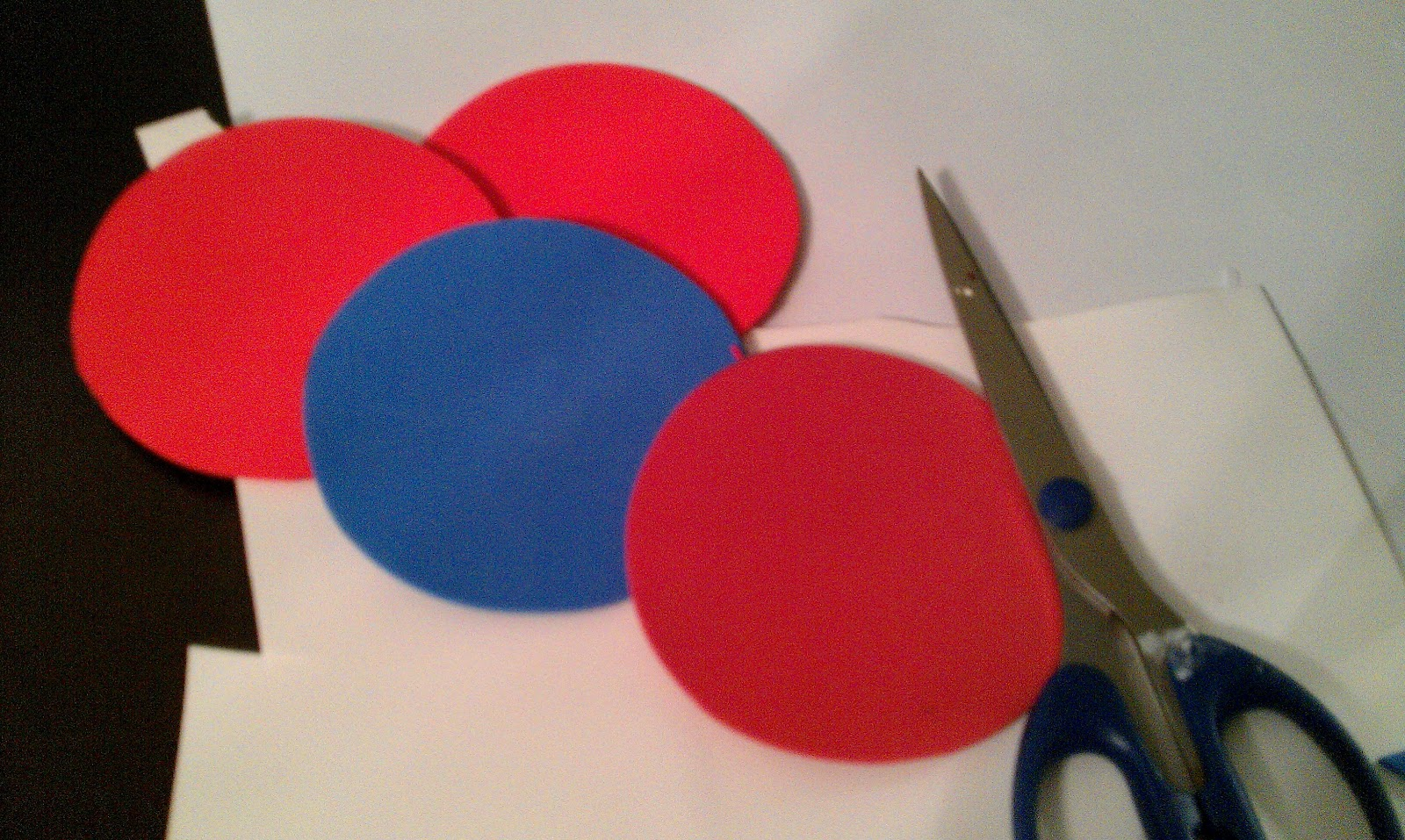 how to cut circles in foam